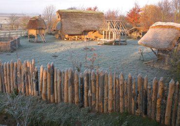 Kulturweg Eisen Eisenzeitliche Siedlung archäologisches Freilichtmuseum Titz Kreis Düren eisenzeitliches Gehöft